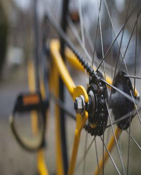 dettagli-pedali-catena-bici